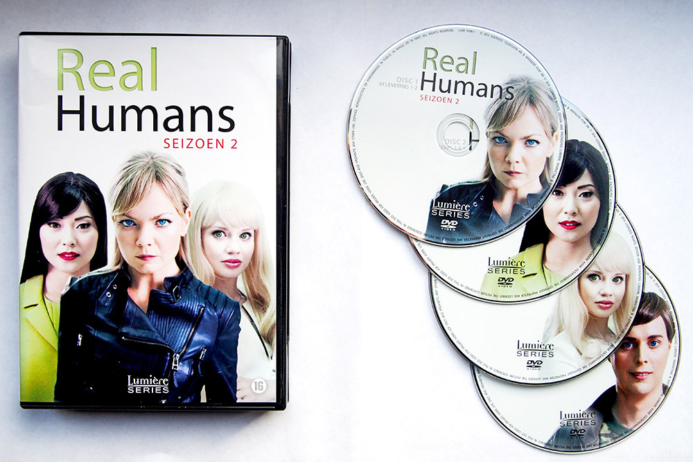 In het tweede seizoen van Real Humans loopt de spanning hoog op
