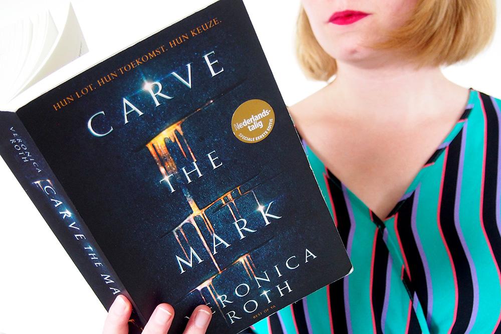 https://www.oogopdetoekomst.com/wp-content/uploads/2018/06/carve-the-mark-2.jpg